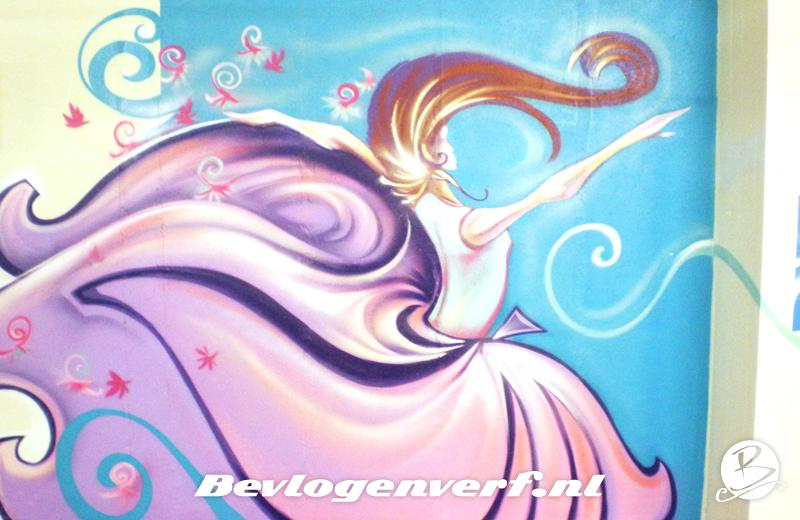 Roze met paars, blauwe achtergrond